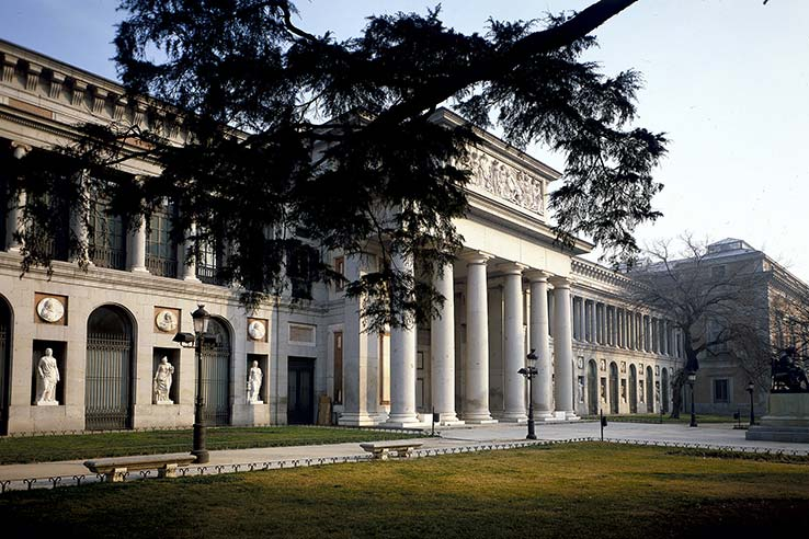 Flights to Madrid, visit Museo del Prado.